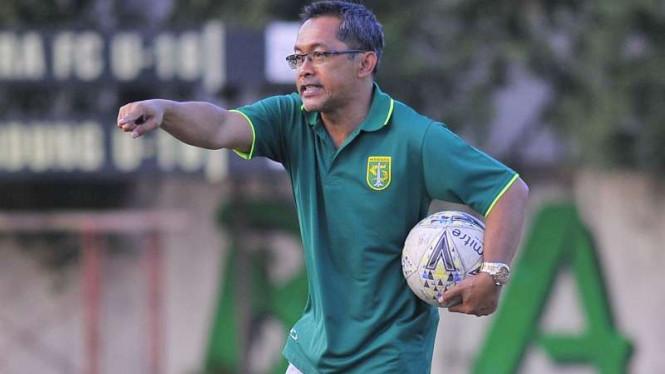 Terkait Kelanjutan Shopee Liga 1 2020, Aji Santoso Pasrah